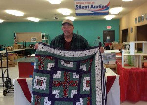 2014 Quilt winner, Bob Eisland. Photo: Gwen Berry