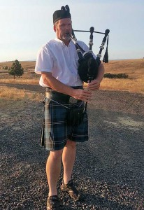 Mike-with-Bagpipe